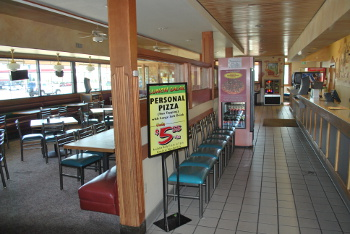 Eddie's Pizza: Hammer Lane Location Inside